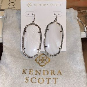 *Kendra Scott* Danielle White Pearl Earrings